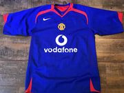 Classic Football Shirts | 2005 Manchester United Vintage Old Jerseys